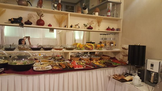 Muyan Suites: /Great Breakfast spread