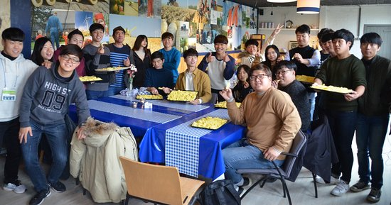 Wieringerwerf, The Netherlands: Here a group of Korean Students are busy making real Dutch fries from our own potatoes