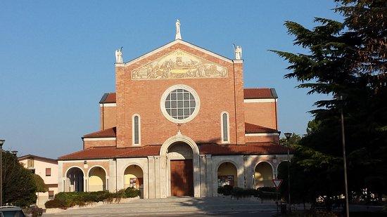 Santuario Madonna di Rosa