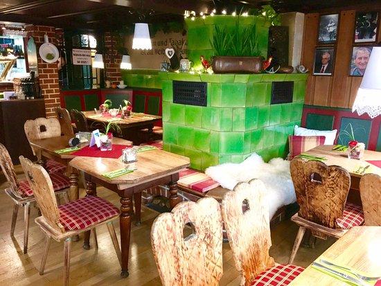 Winnenden, Nemecko: Eine urgemütliche Weinstube mit hervorragender Küche!