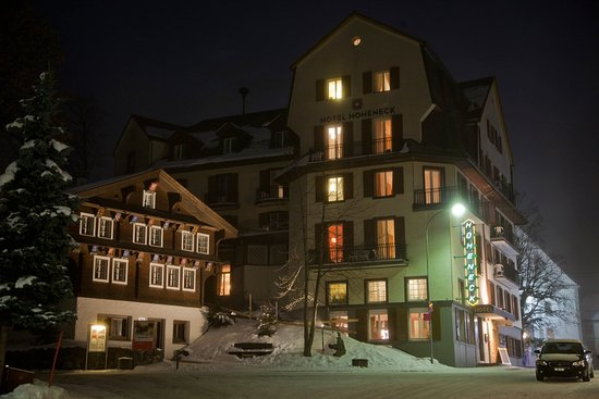 Hotel Hoheneck: Winter evening