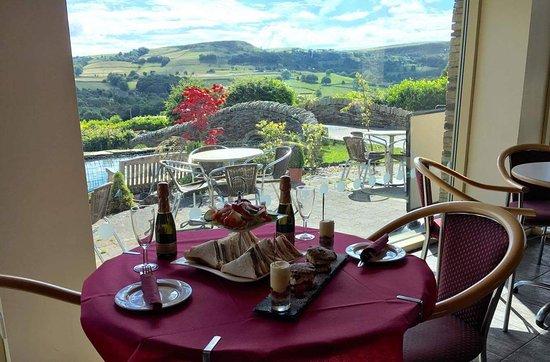Brooklands Nurseries and Cafe Bar: Afternoon tea