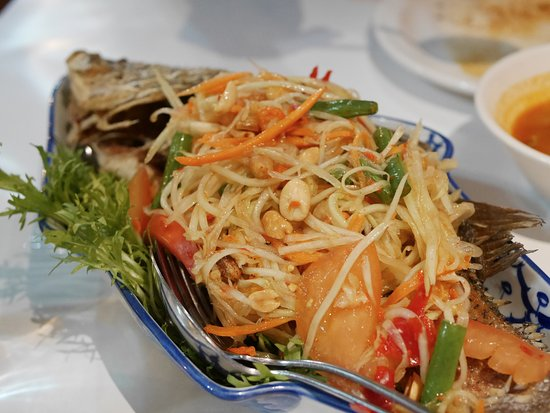 Authentic Thai Taste: Fried Whole Fish