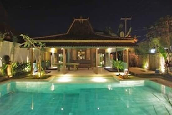 The Project Hostel & Cafe Canggu