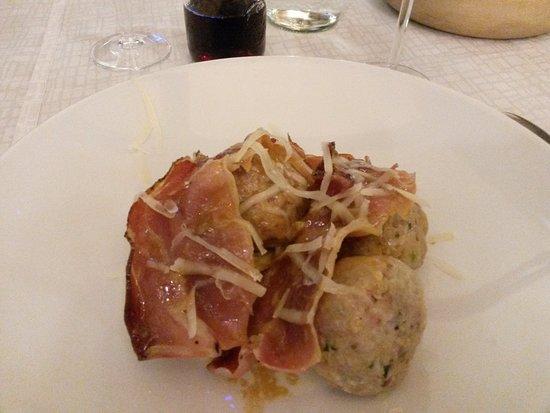Giustino, Italia: canederli