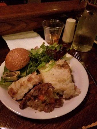 The Shakespeare Tavern Playhouse: Plenty of tasty food