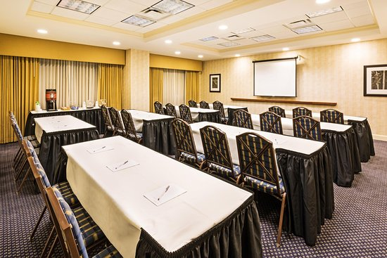 Clinton, SC: Meeting Space - Classroom Style