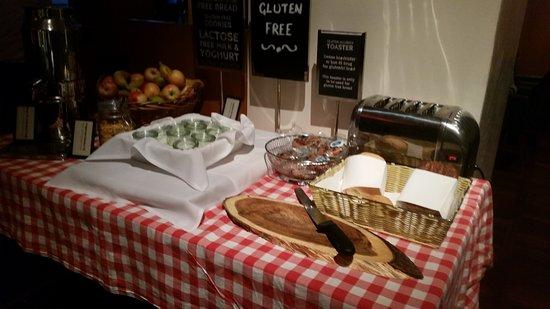 Hilton Copenhagen Airport: hotel breakfast