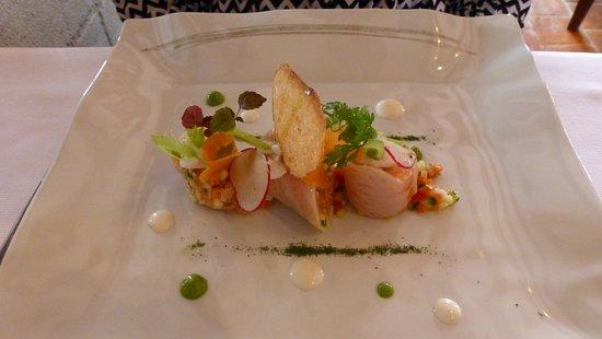 Savonnieres, Prancis: cannelloni poissons fumés et ses légumes de printemps
