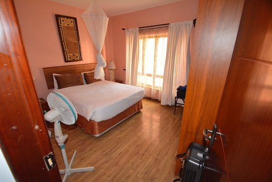 Wasini All Suite Hotel : One of the two bedrooms. The other room was the same.