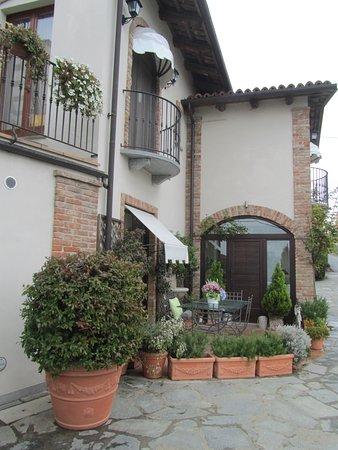 Neviglie, Italy: отель