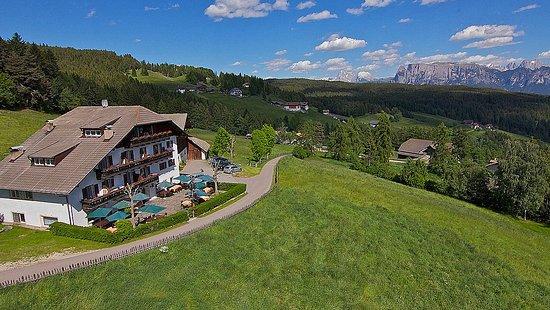 Berggasthof Ploerr: Hotel View..