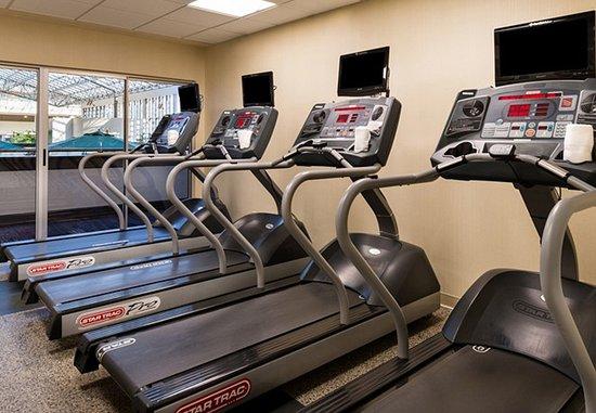 Melville, NY: Fitness Center – Cardio Equipment