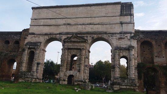 Basilica sotterranea di porta maggiore roma tripadvisor - Rome porta maggiore ...