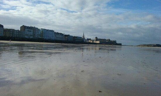 st malo vu de la plage picture of plage du sillon saint malo rh tripadvisor co za