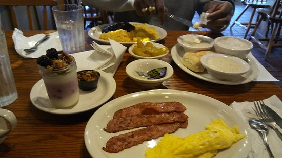 Benbrook, TX: Great food & shopping