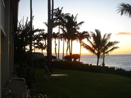 Napili Shores Maui by Outrigger: Feb. sunset