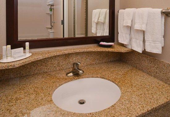 Tarentum, PA: Suite Bathroom Vanity