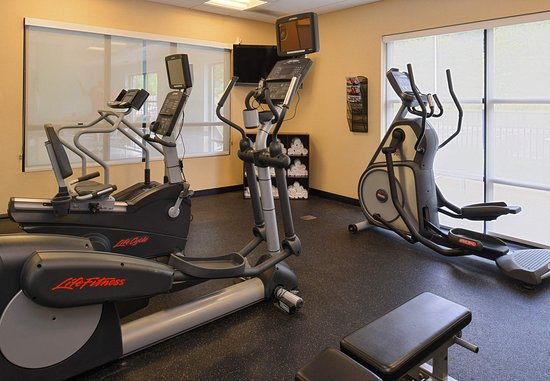 Tarentum, PA: Fitness Center