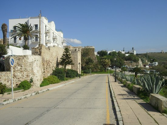 Muralla urbana de Tarifa