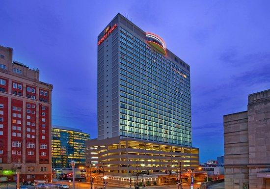 Crowne Plaza Hotel Kansas City Downtown: View of the Crowne Plaza Kansas City Hotel from downtown