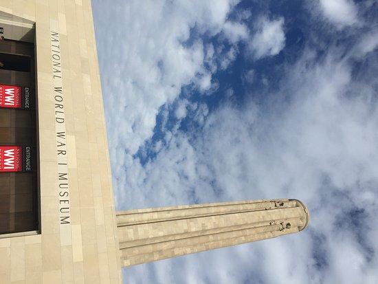 Crowne Plaza Hotel Kansas City Downtown: Liberty Memorial