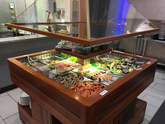 restaurant grand buffet dans tonnay charente avec cuisine asiatique. Black Bedroom Furniture Sets. Home Design Ideas