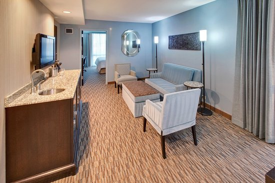 Glen Ellyn, Ιλινόις: Crowne Plaza Lombard-Downers Grove CEO Corner Suite