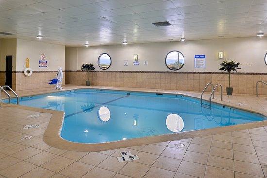 Holiday Inn Sheridan - Convention Center : Swimming Pool