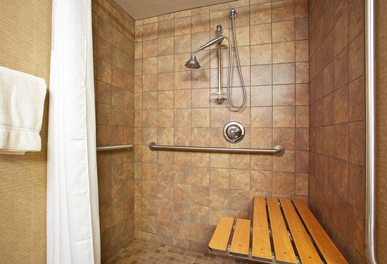 Huber Heights, OH: A large accessible shower awaits you!