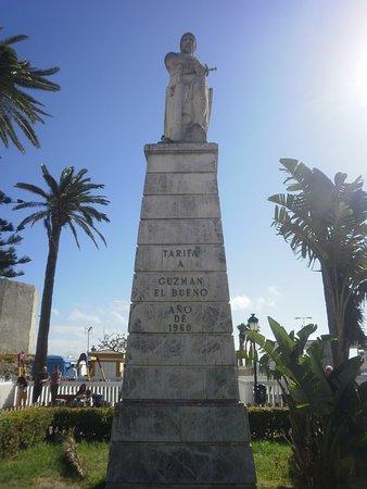 Monumento a Guzman El Bueno