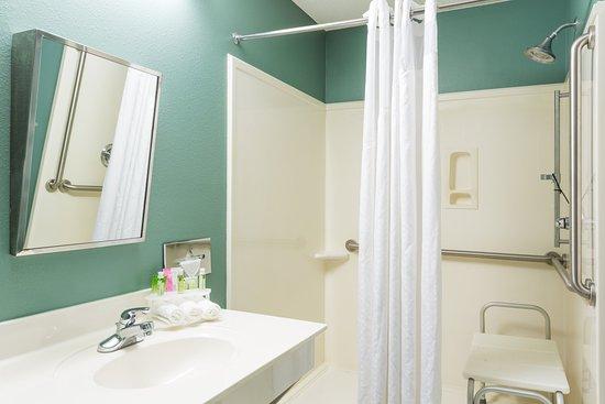 Niceville, FL: Wheelchair Accessible Shower
