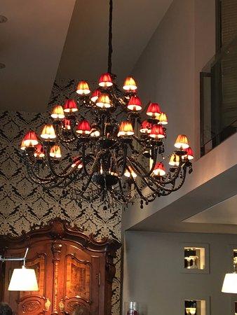 Villa Emilia: Beautiful decor in Zinc Bar and the Lobby