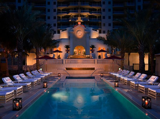 Sunny Isles Beach, FL: Recreational Pool
