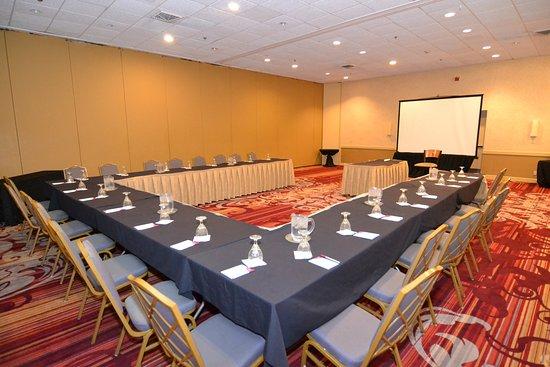Crowne Plaza Hotel Reading: U-Shape Conference Style