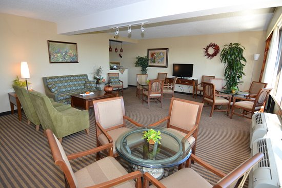 Crowne Plaza Hotel Reading: Crowne Lounge located on the 5th Floor of our Crowne Tower.