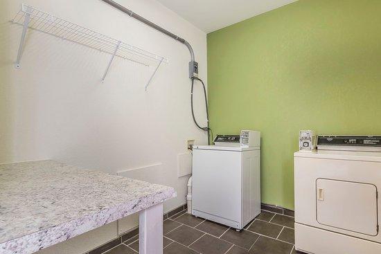 Sleep Inn: Laundry