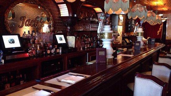 Bayside, NY: Bar