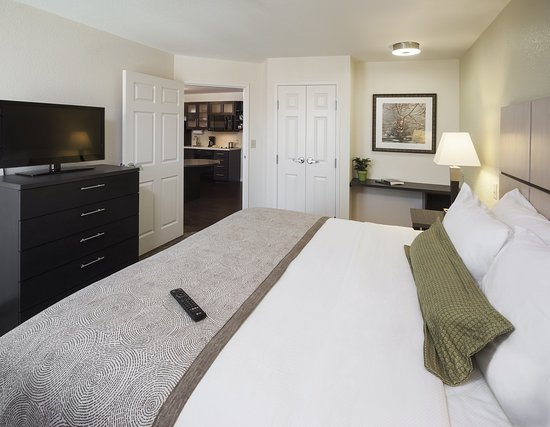 Candlewood Suites - Hampton