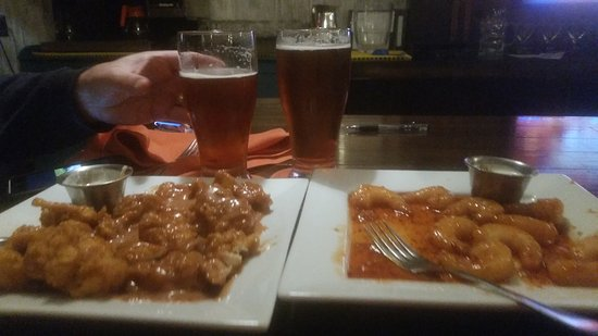 Coon Valley, WI : Wednesday wing and shrimp night