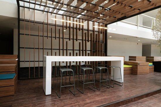 Bar work, meet people - Picture of Holiday Inn Express San Luis ...