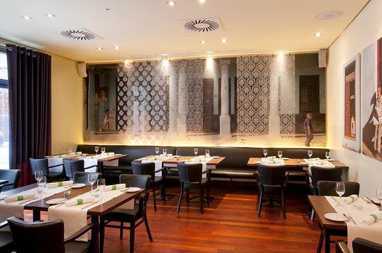 Holiday Inn Nurnberg City Centre: Bar & Brasserie NitriBizz
