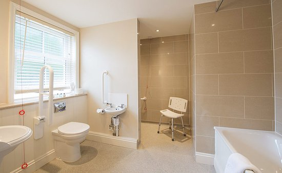 Cadnam, UK: Accessible Bathroom