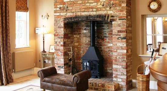 Cadnam, UK: Fireplace