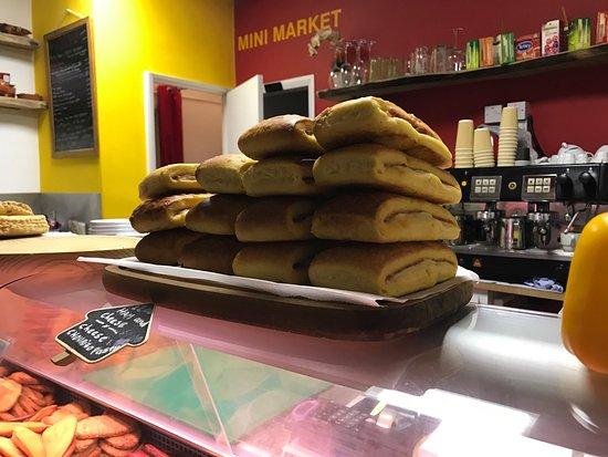 Latina Cafe Deli: Superb food mad daily at Latina