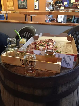 Baxter, MN: Beer and pizza
