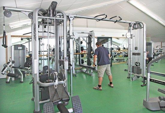 Saint-Laurent-de-Cerdans, France: Salle de musculation accessible à tous