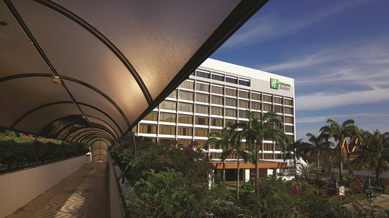 Holiday Inn Resort Penang: Hotel Exterior