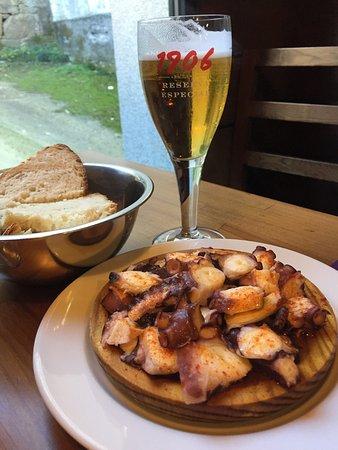 Palas de Rei, Spain: Un lugar excelente para comer. El pulpo muy bueno, el cordero también y la tarta de queso excepc