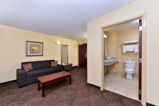 White House, TN: Suite Room
